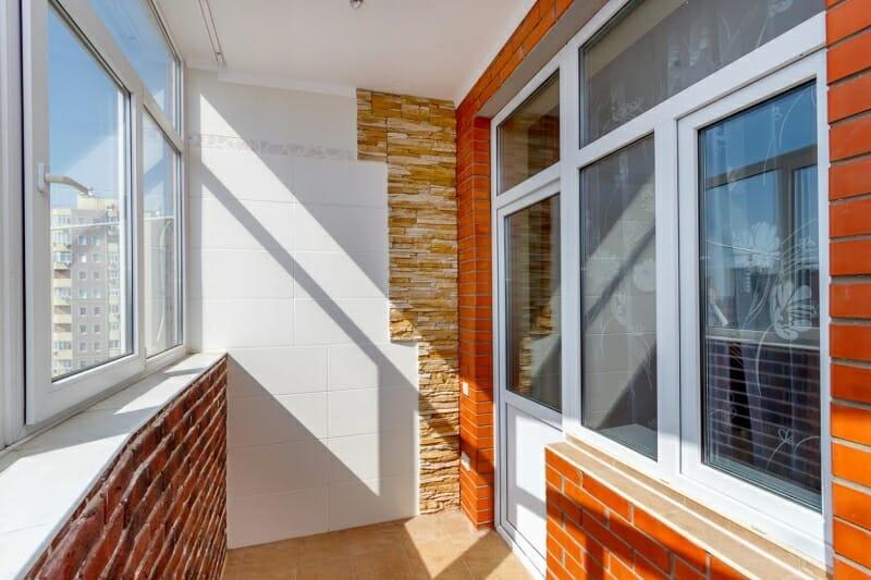 Остекление балконов и лоджий в геледжике.