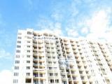 Многоквартирный дом, остекление балконов