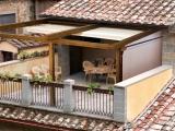 Деревянная пергола на балконе